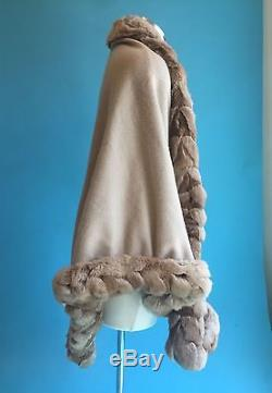 Women's Loro Piana Beige Cashmere & Genuine Chinchilla Fur Trimmed Wrap Wow